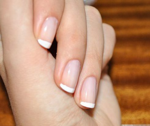 French Manicure selber machen